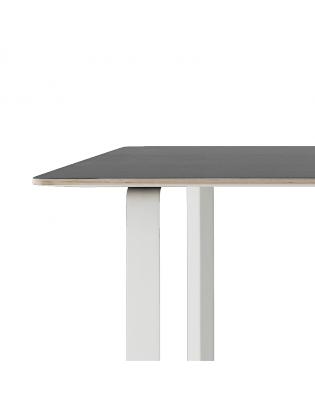 Tisch 70/70 small von Muuto