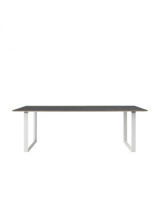Tisch 70/70 large von Muuto