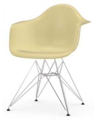 Stuhl Eames Fiberglass Armchairs DAR von Vitra