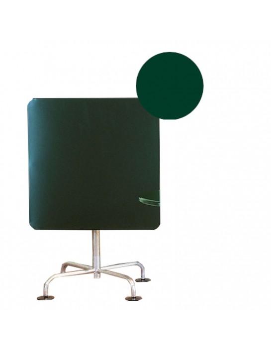 Gartentisch in quadratischer Ausführung von Atelier Alinea