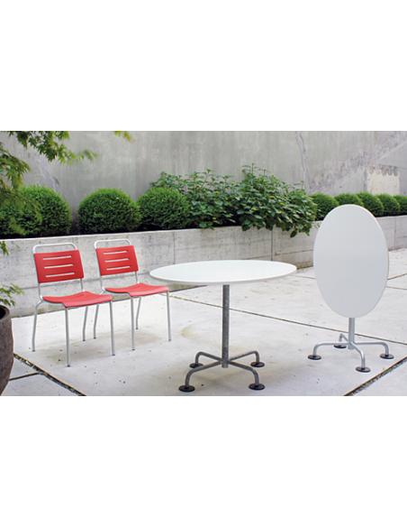 Klassischer runder Gartentisch von Atelier Alinea