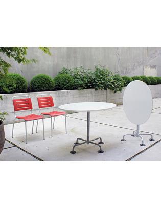 Klassischer ovaler Gartentisch von Atelier Alinea
